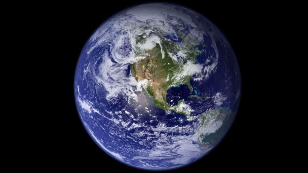 la primera fotografía de la Tierra desde el espacio se hizo en 1972
