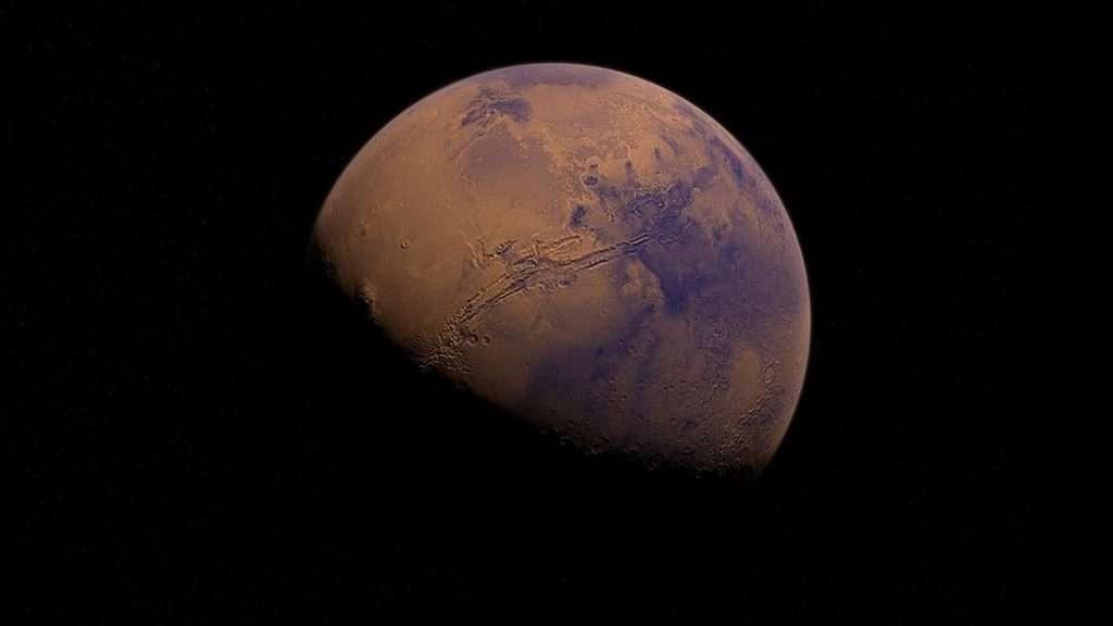 Marte es rojo por la presencia en su superficie de minerales de hierro oxidados.