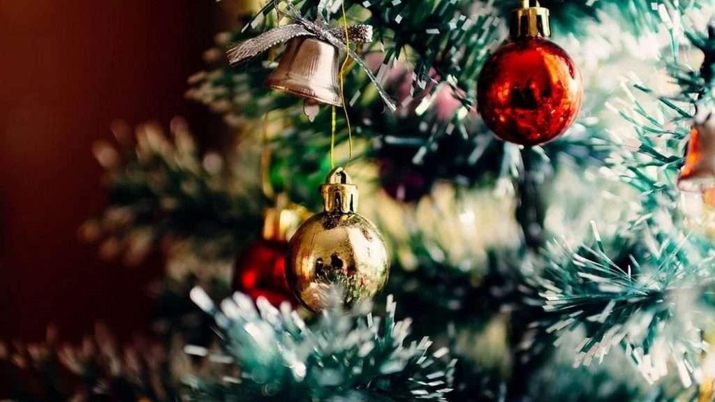 Te contamos el significado del árbol de navidad y sus adornos