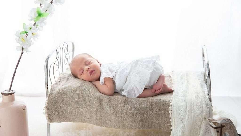 Existen muchas teorías sobre los tiempos para pasar a un bebé (o niño) de la cuna a su nueva cama