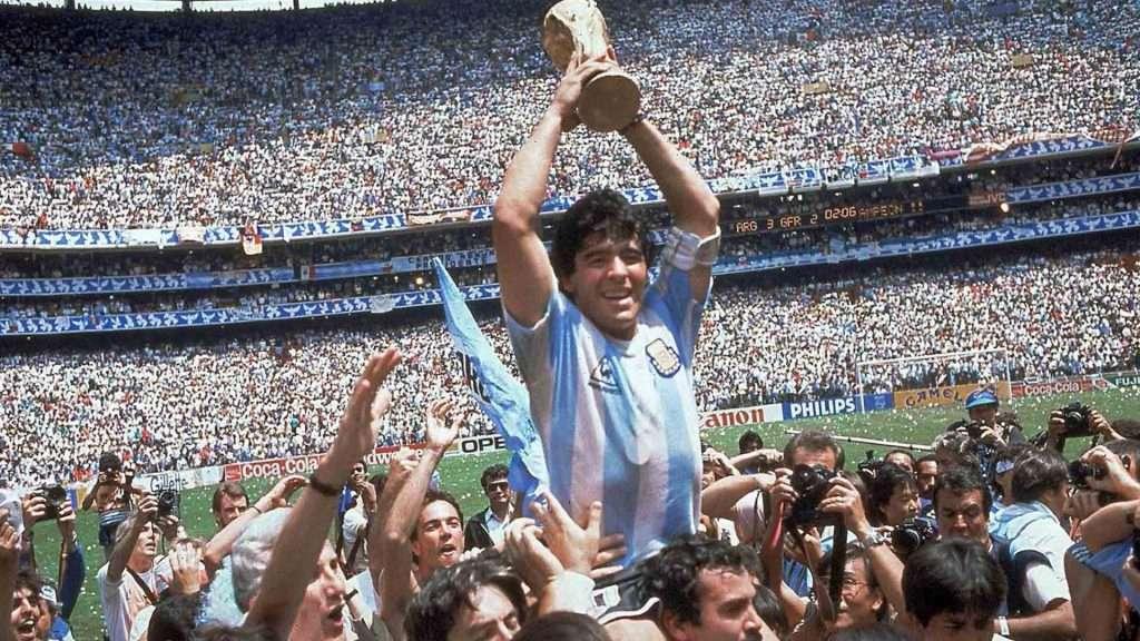 Maradona jugó en 6 equipos