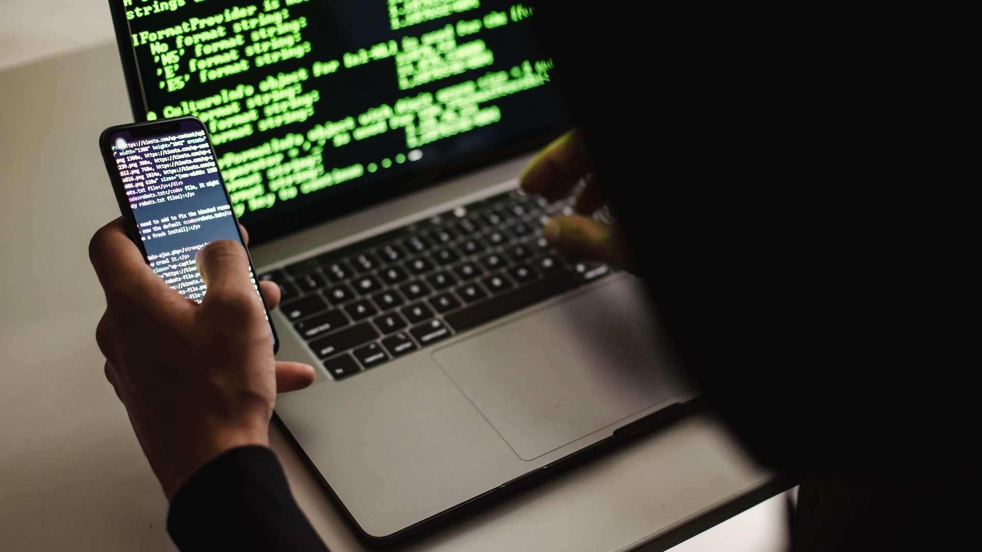 ¿Qué es el Phishing? Es la técnica más sencilla y efectiva para robar información personal así como provocar timos.