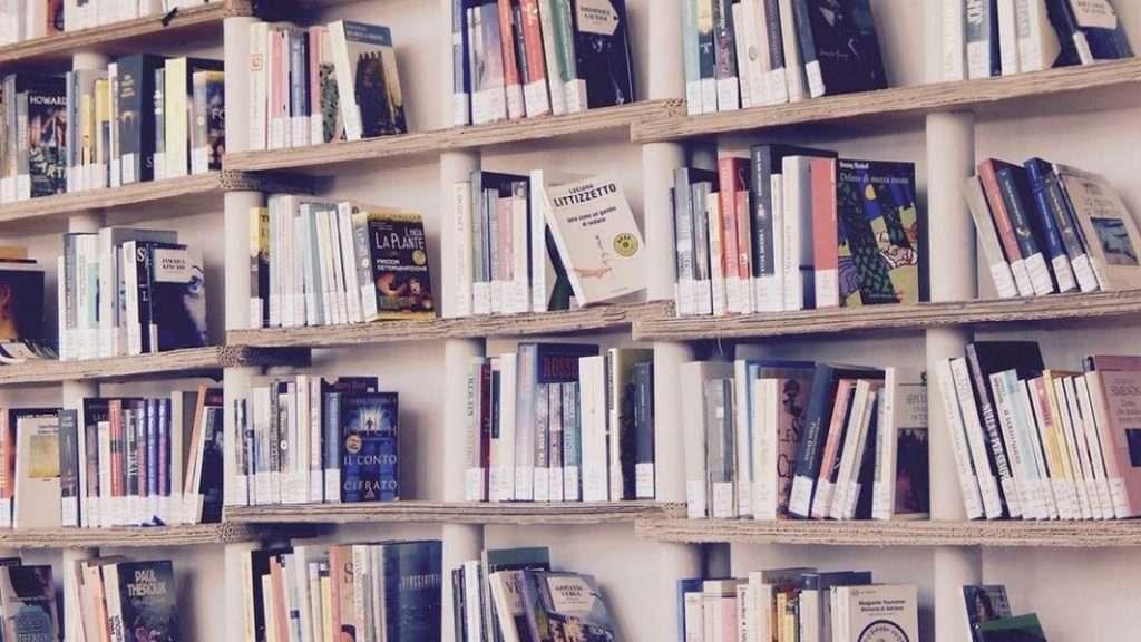 ¿Cómo se forra un libro de texto? ¿Cuáles son los mejores forros para libros de texto? ¿Cómo evitar que se formen burbujas al forrar un libro?